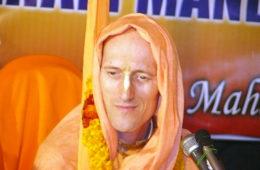 Chant Hare Krishna Japa With Bhakti Vikasa Swami