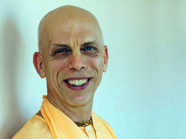 Prahladananda Swami Chanting Hare Krishna
