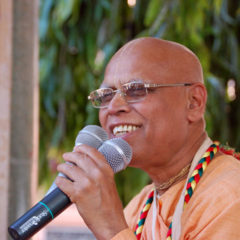 Chant Hare Krishna Japa With Loknath Swami