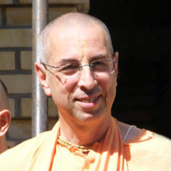 Chant Hare Krishna Japa With Niranjana Swami